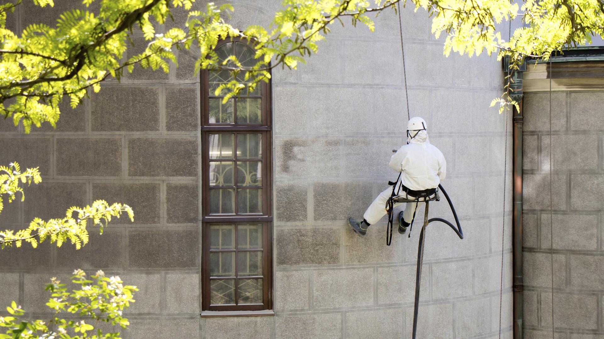 pamplona-limpiar-fachada-trabajos-verticales-fachada-3
